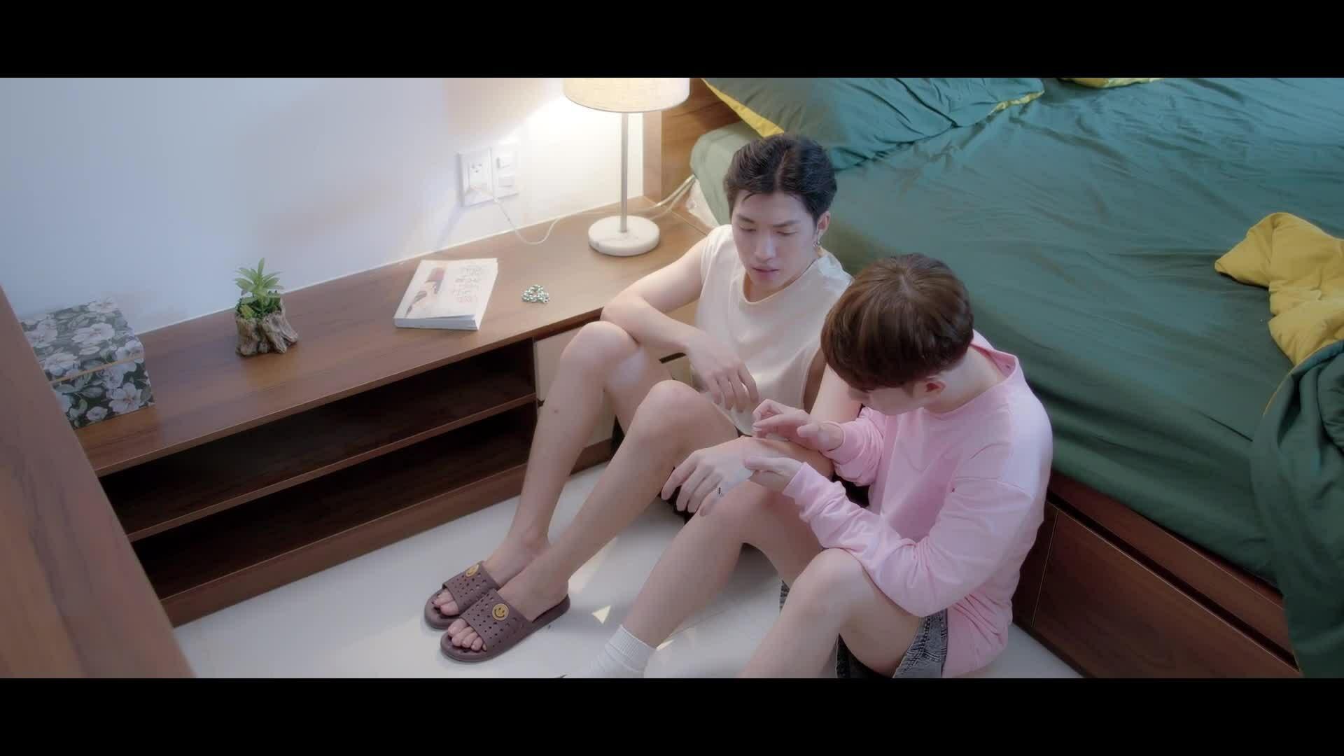 'Em là chàng trai của anh' tung trailer ngập 'cảnh nóng' của hai nam chính