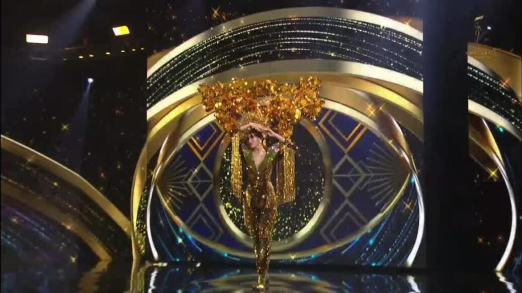 Ngọc Thảo trình diễn quốc phục tại Miss Grand