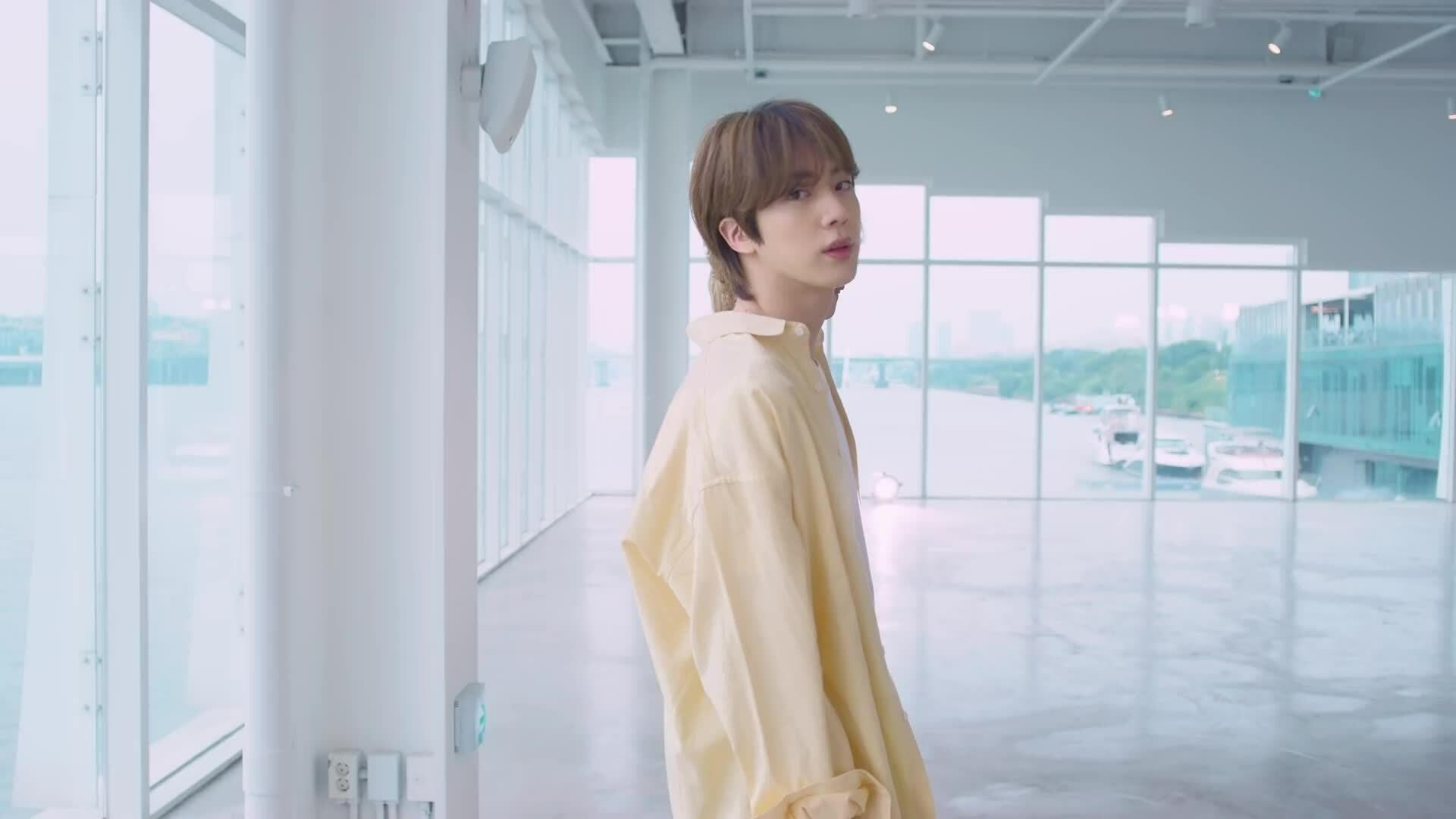 BTS diện outfit vàng tươi đẹp mắt trong video vũ đạo 'Butter' phiên bản đặc biệt