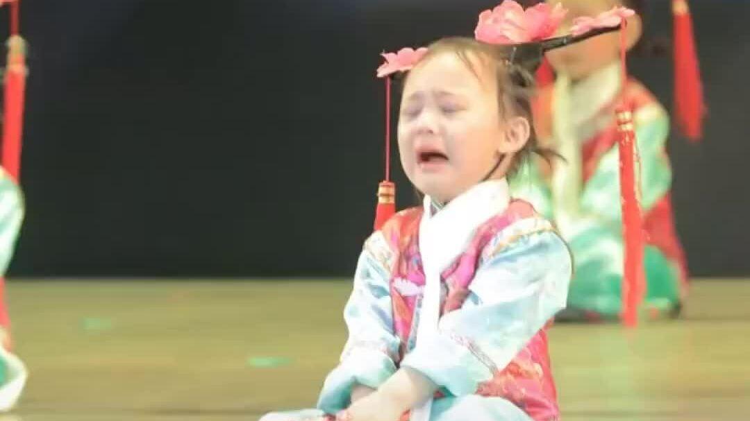 Góc 'tinh thần trách nhiệm cực cao': Khi bạn muốn đi công viên ngày thiếu nhi nhưng mẹ bắt đi múa