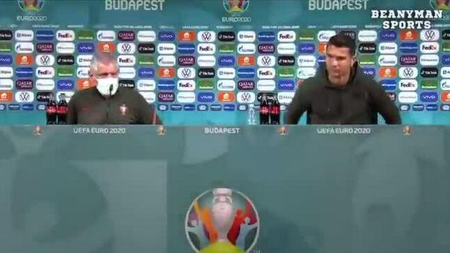 Ronaldo từ chối uống coca, đòi uống nước lọc trong buổi họp báo gây sốt thế giới