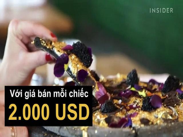 Bánh pizza vàng 2000 đôla mỗi chiếc