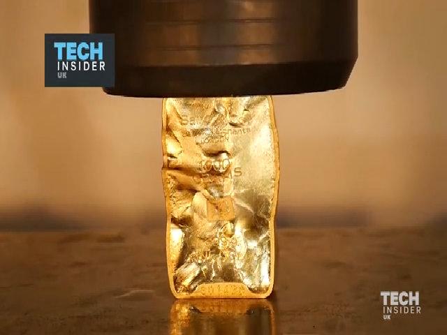 Một thỏi vàng 24 carats bị ép phẳng sẽ thế nào