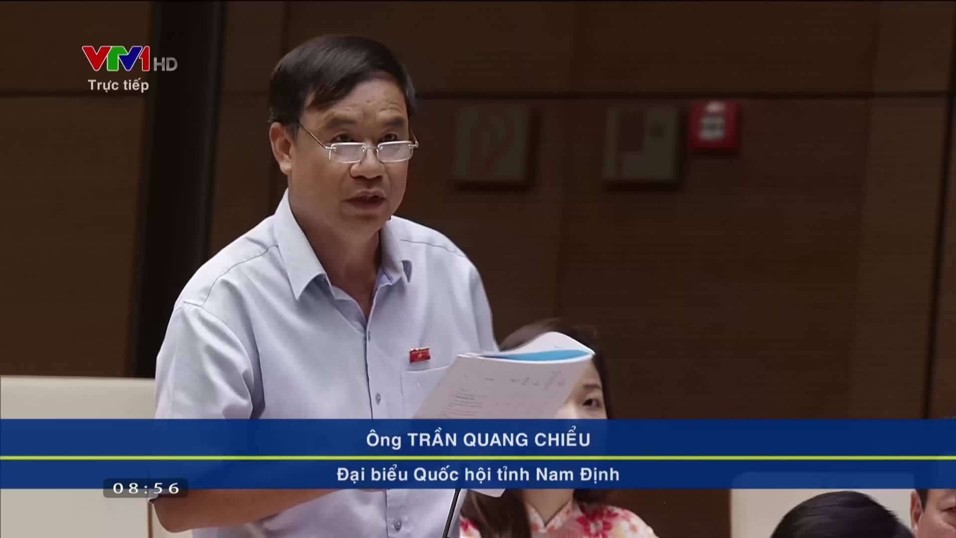 Đại biểu Quốc hội tranh luận về tăng trưởng phụ thuộc dầu thô