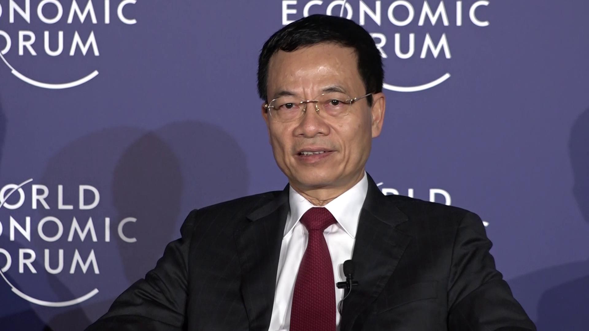 Quyền Bộ trưởng Nguyễn Mạnh Hùng