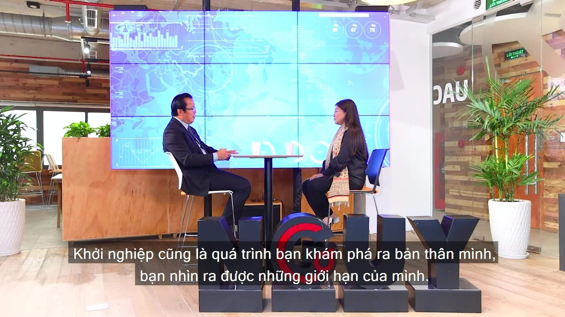 Bài học khởi nghiệp tuổi 50 của ông chủ Saigon Books