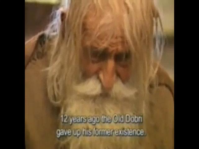 Cụ ông 99 tuổi đi ăn xin làm từ thiện