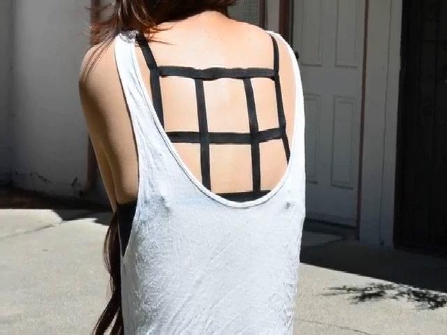 Bra-top lưng đan dây và váy khoét lưng sexy