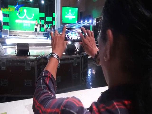 Giám khảo Miss Ngôi Sao say mê điện thoại Nokia Lumia 930