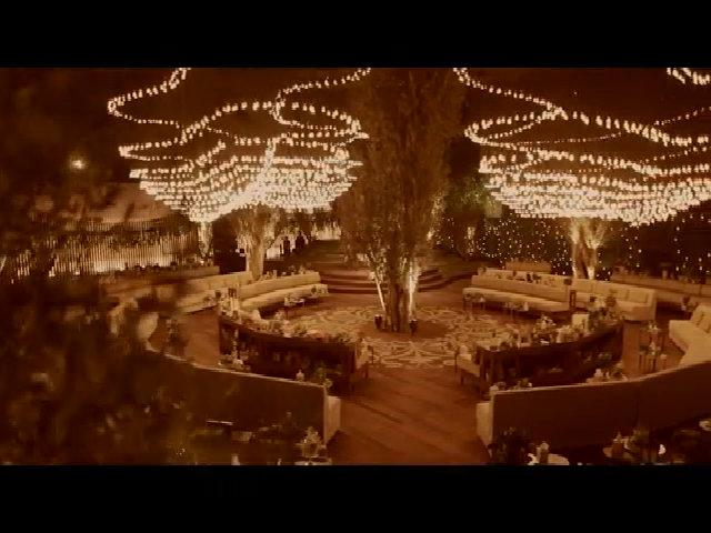 Mang hàng nghìn 'đom đóm' vào đám cưới Dubai
