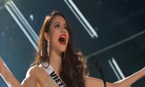 Phạm Hương trong đêm Bán kết Miss Universe