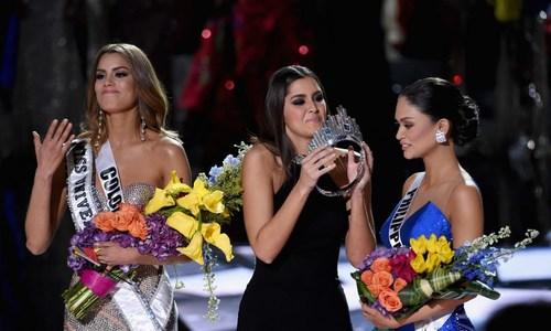 Khoảnh khắc nhầm lẫn Hoa hậu đi vào lịch sử của Miss Universe