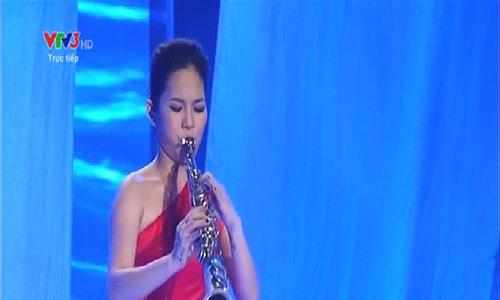 Thy Kiều thổi kèn saxophone ca khúc 'My heart will go on'