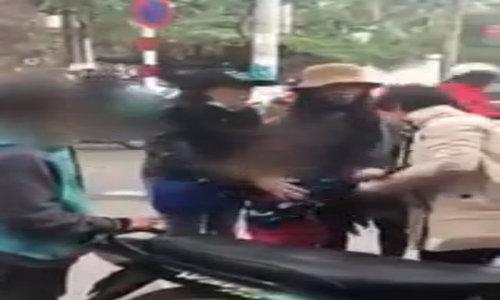 Người phụ nữ quả quyết bị ám sát sau va quệt nhẹ trên phố