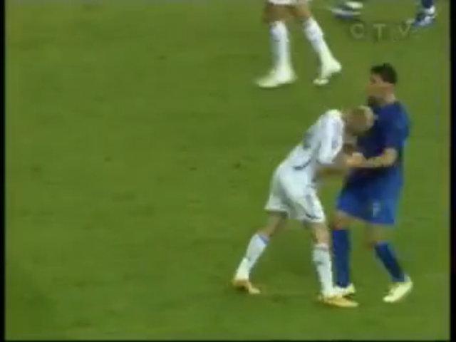 Cú húc đầu của Zidane ở chung kết World Cup 2006