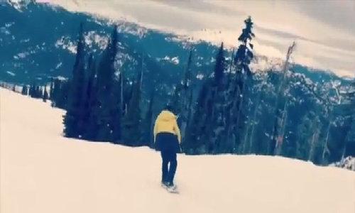 Brooklyn bị ngã gẫy xương đòn khi đi trượt tuyết