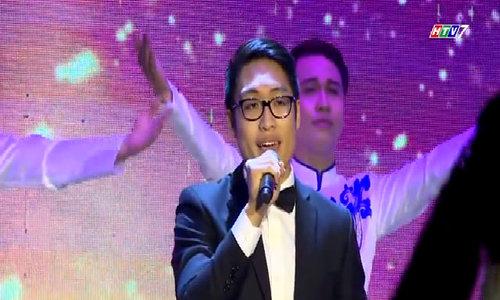 Trê Phi hát 'Mẹ hiền yêu dấu'