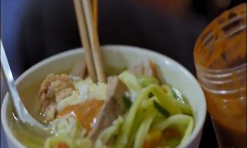 Những món ăn Việt trứ danh khiến khách Tây tò mò - p1