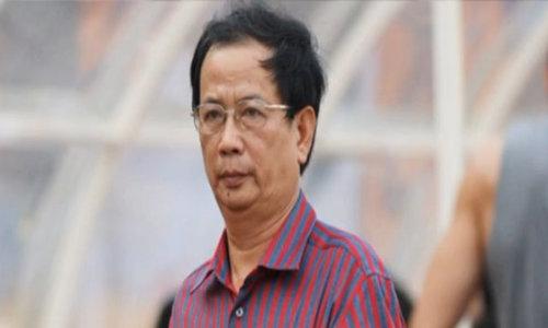 Chủ tịch CLB Quảng Nam châm biếm trọng tài học trường mù