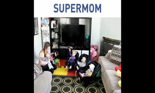 Một ngày 'chóng mặt' của bà mẹ trẻ với 4 đứa con