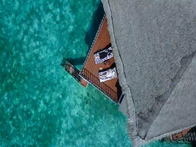 Video choáng ngợp ở Maldives của đôi vợ chồng Việt