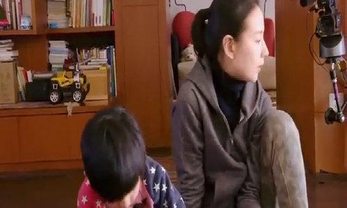 Đổng Khiết cùng với con trai tham gia một show truyền hình thực tế