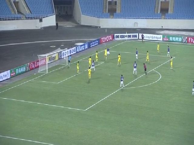 Văn Quyết vôlê tung lưới Ceres 1-1 trong trận mở màn vòng bảng