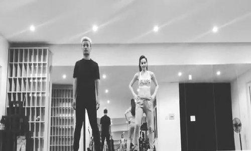 Hồ Ngọc Hà tập vũ đạo cho Đêm hội chân dài 11