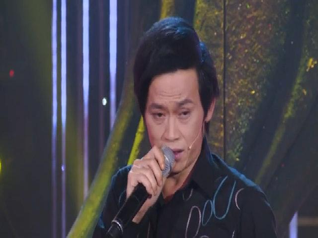 Khán giả vỗ tay rần rần khi nghe Hoài Linh hát 'Riêng một góc trời'