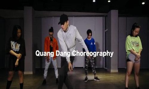 Quang Đăng nhảy 'Despacito'