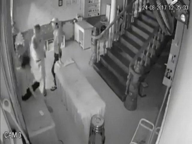 Nữ nhân viên bị chém trọng thương giữa cửa hàng