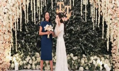 Thu Thảo tung hoa cho Ngọc Hân sau đám cưới cổ tích