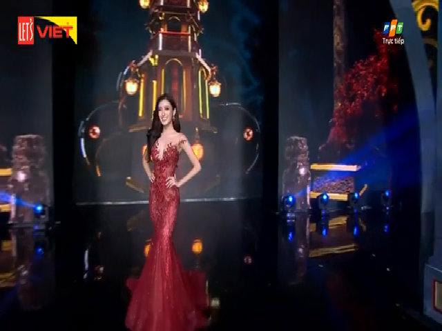 Huyền My trong đêm chung kết Hoa hậu Hòa bình Thế giới 2017