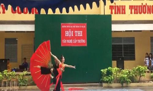 Màn múa 'Lạc trôi' chào mừng ngày Nhà giáo Việt Nam gây sốt