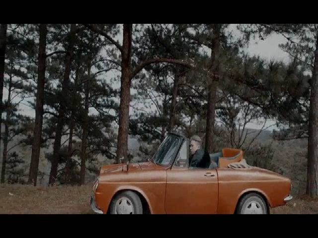 MV 'Người lạ ơi' của Karik