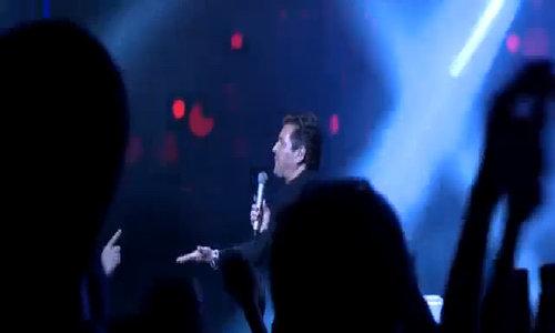Thomas Anders hát 'Cheri Cheri Lady' tại Hà Nội năm 2016