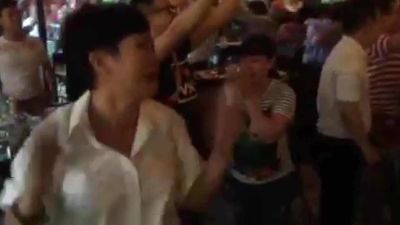 Phương Thanh bật khóc trước chiến thằng của U23