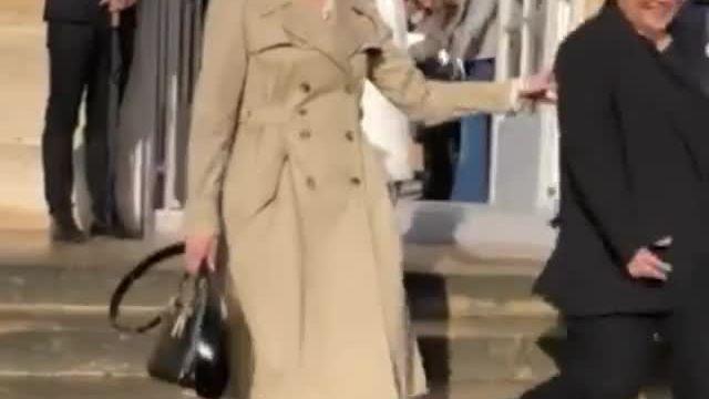 Song Hye Kyo xinh đẹp tại Tuần lễ Thời trang Paris