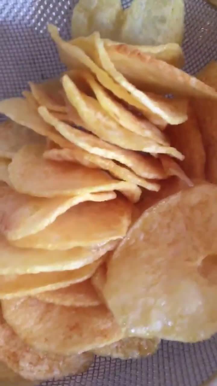 Làm bim bim khoai tây giòn tan, nhanh tại nhà