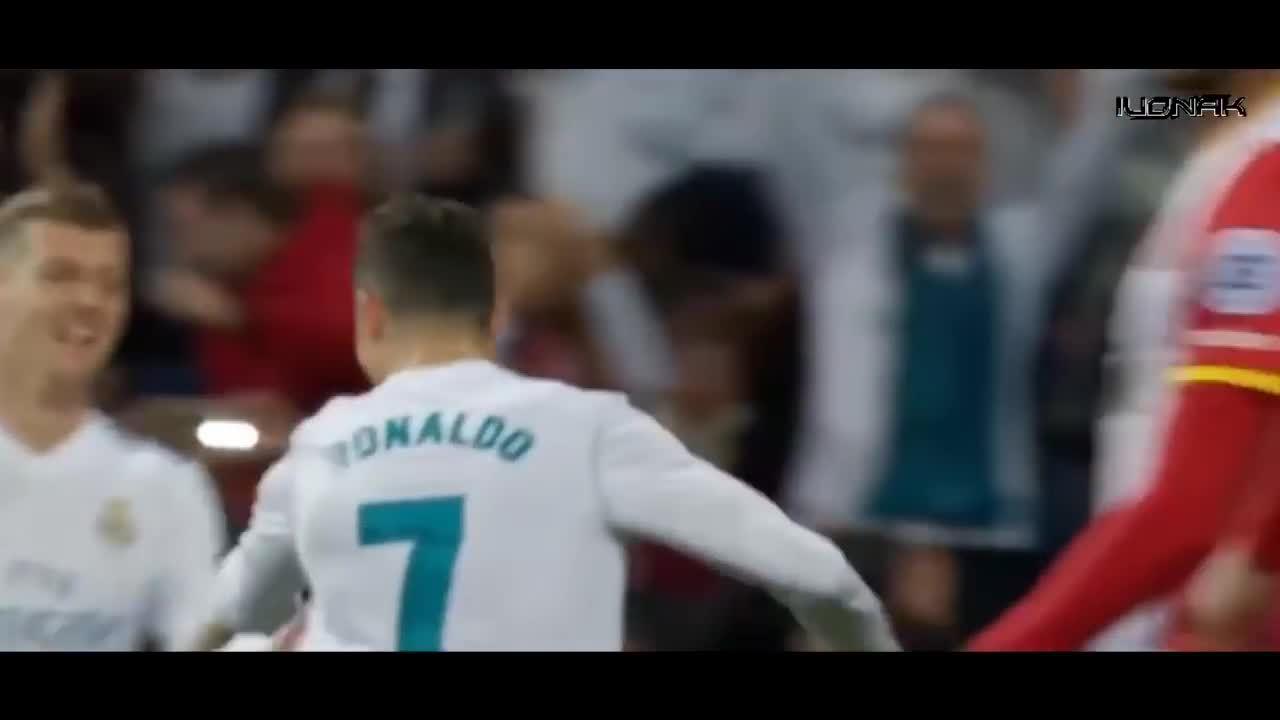 C. Ronaldo ghi 4 bàn thắng, áp sát Messi trong cuộc đua Vua phá lưới La Liga