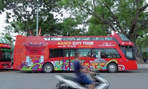 Người dân trải nghiệm xe buýt hai tầng đầu tiên ở Hà Nội