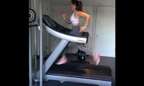 Vợ Terry chăm chỉ tập gym