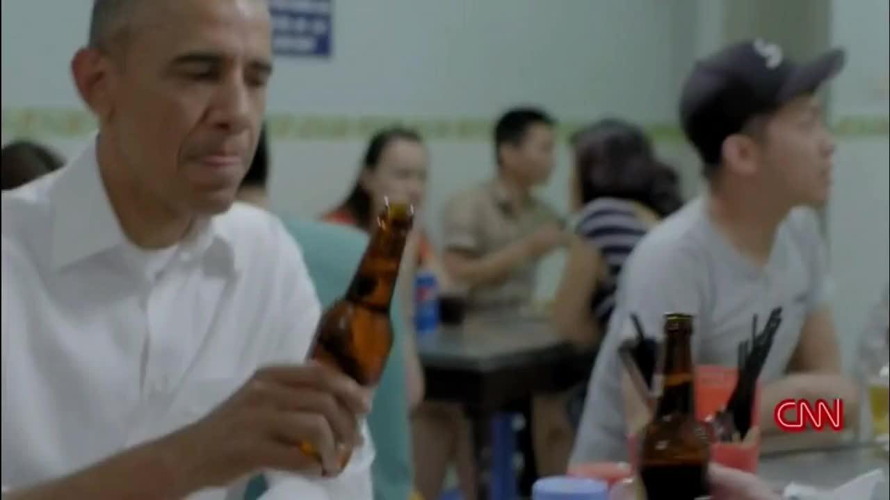 Anthony Bourdain và những lần trải nghiệm ẩm thực Việt