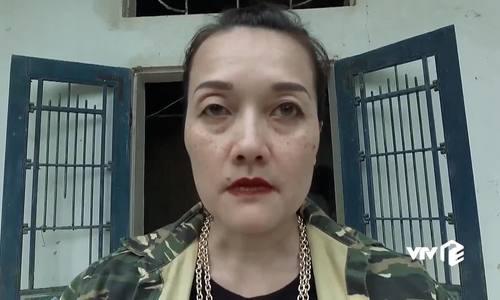 Vân Dung chửi bậy, bạt tai Việt Anh khi làm bà trùm giang hồ