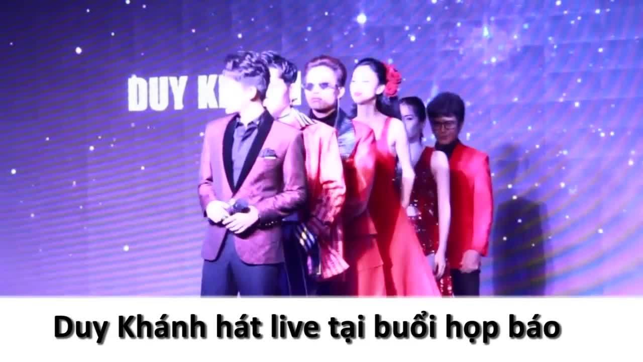 Duy Khánh hát live tại họp báo