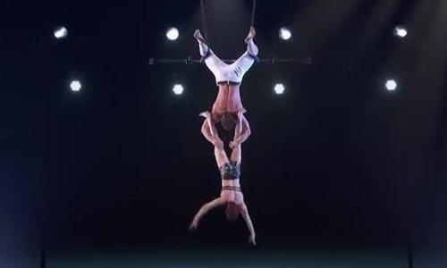 Cặp thí sinh nhào lộn gặp tai nạn trên sân khấu America's Got Talent