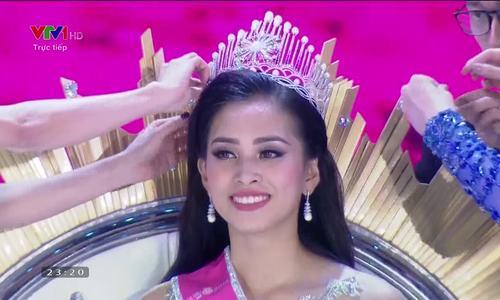 Trần Tiểu Vy đăng quang Hoa hậu Việt Nam 2018 (Ngôi sao)