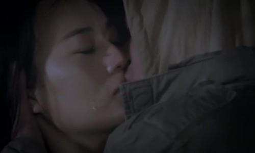Khán giả tranh cãi về nụ hôn của Doãn Quốc Đam và Phương Oanh trong phim