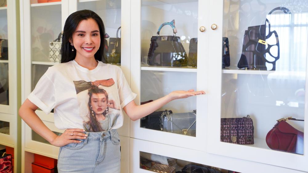 Tủ đồ chứa toàn giày và túi hiệu của Hoa hậu Huỳnh Vy