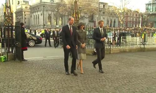 Vợ chồng William - Kate và Harry tới sự kiện hồi tháng 3/2016